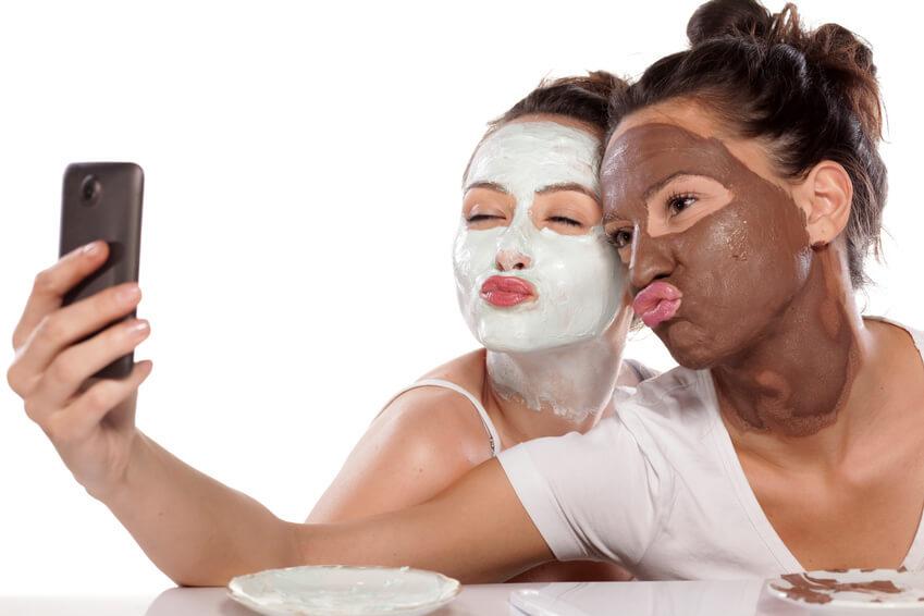 Beauty Lounge Treatment für jugendliche Problemhaut im Düsseldorfer Kosmetikinstitut an der Königsallee 80