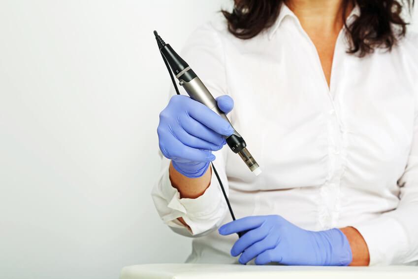 Micro Needling Pen Behandlung Düsseldorf Kosmetikinstitut Kö80